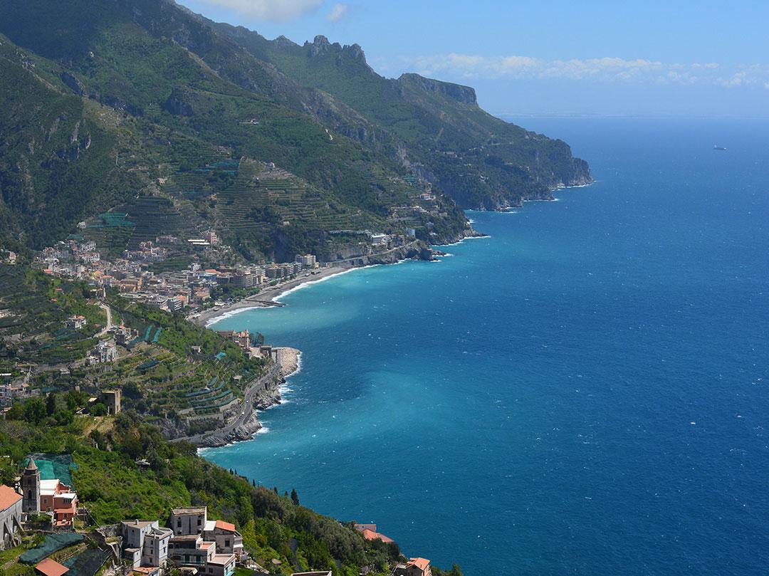 Visita paestum amalfi e ravello viaggio organizzato in for Soggiorno costiera amalfitana