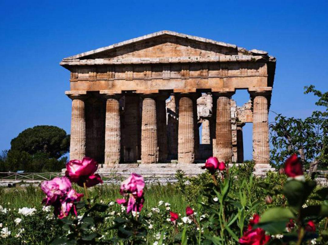 Viaggio organizzato in Costiera amalfitana con visita guidata agli scavi archeologici e ai Templi di Paestum - Vacanze in Campania